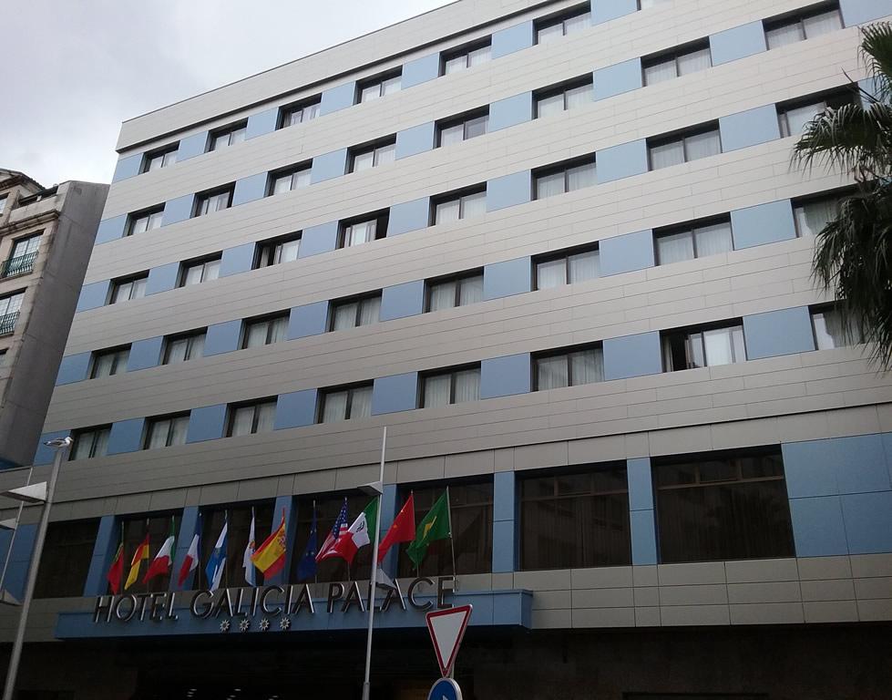 Imagen Reforma fachadas Hotel Galicia Palace con composite STAC BOND de Laminados LEMA